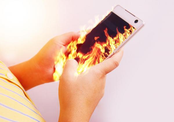 افزایش دمای گوشی,علت داغ شدن گوشی,داغ شدن گوشی نشانه چیست