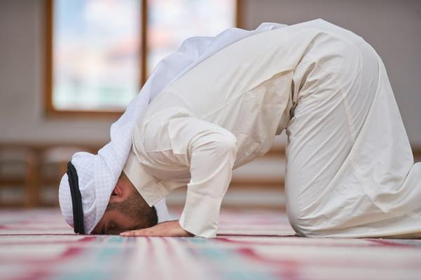 نماز استخاره,نماز استخاره با احساس,استخیر الله برحمته نماز استخاره