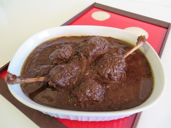 تهیه خورشت فسنجان,خورشت فسنجان با گوشت چرخ کرده,طرز تهیه فسنجان