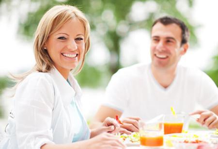 قرنطینه,خوردن غذاهای کم کالری,مضرات کمبود خواب در ایام قرنطینه,افزایش وزن,راههای جلوگیری از اضافه وزن در ایام قرنطینه