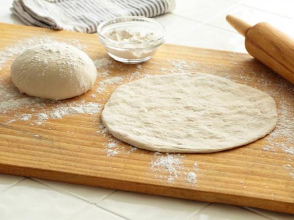 طرز تهیه خمیر پیتزا خانگی,طرز تهیه خمیر پیتزا بدون مخمر,طرز تهیه خمیر پیتزا