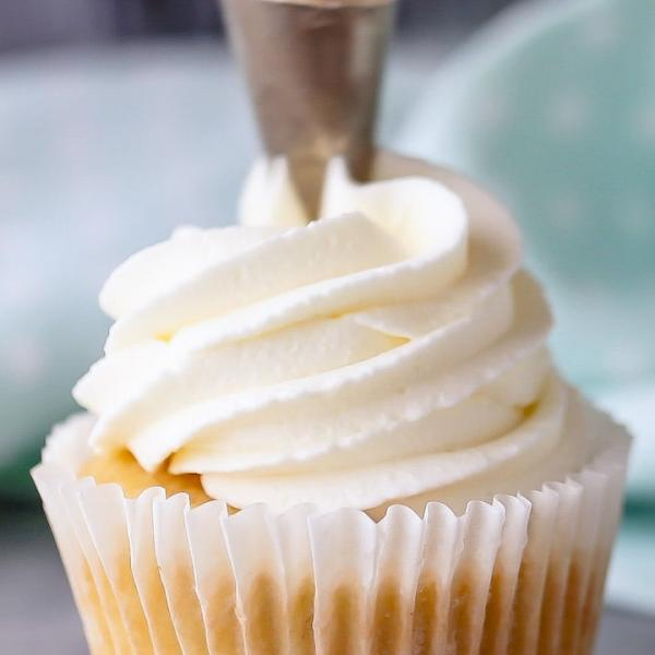 تهیه خامه کیک,طرز تهیه خامه کیک,درست کردن خامه کیک