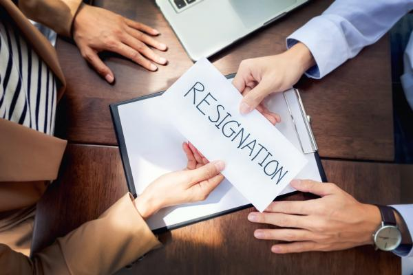 استعفا,شرایط استعفا در قانون کار,نحوه نگارش استعفا نامه