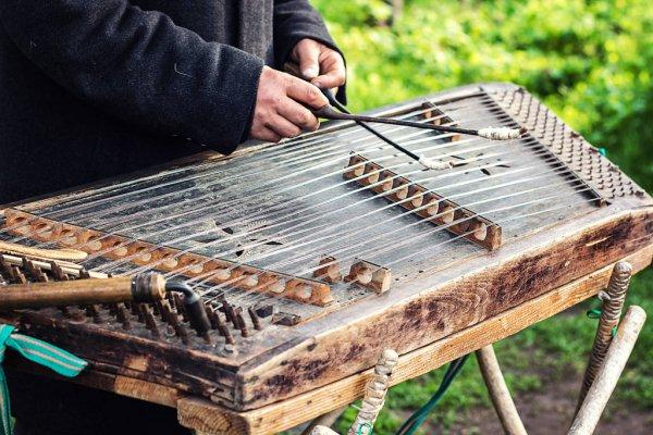 نوازندگان معروف و قدیمی سنتور,ساز سنتور در فرهنگ های دیگر,سنتور