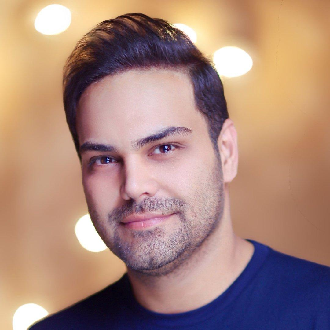 بیوگرافی سیامک عباسی، خواننده پرطرفدار پاپ + عکس کودکی