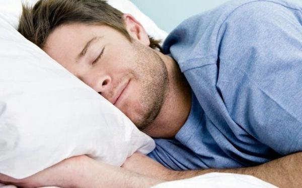 کیوی, خواص کیوی برای سلامتی,تاثیر مصرف کیوی در کیفیت خواب,راهکار رفع مشکلات کم خوابی, وجود ویتامین سی فراوان در کیوی