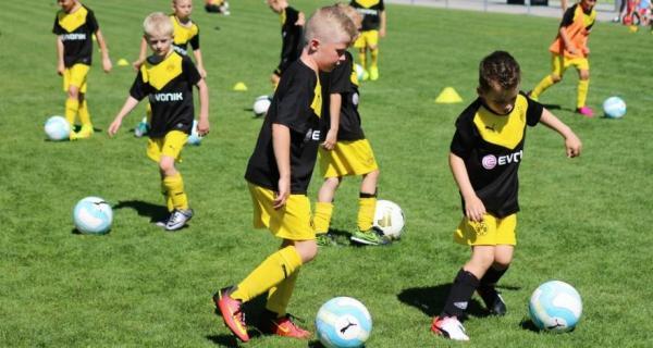 عکس مدرسه فوتبال,مدرسه فوتبال چیست,مدرسه فوتبال