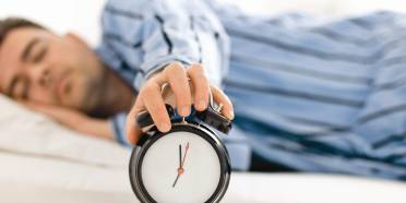 علت بی خوابی,عوارض کم خوابی,بررسی پرخوابی افراد