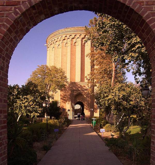 جاهای دیدنی تهران,جاهای دیدنی تهران در شب,زیباترین جاهای دیدنی تهران