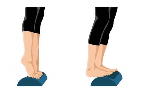درمان پاهای پرانتزی با ورزش,غلتک برای درمان پاهای پرانتزی,درمان پاهای پرانتزی با تمرینات پیلاتس
