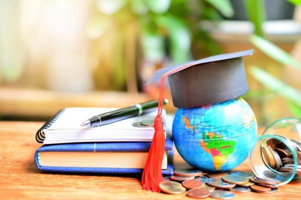 شرایط ادامه تحصیل در خارج از کشور,معایب تحصیل در خارج از کشور,شرایط ادامه تحصیل در خارج از کشور