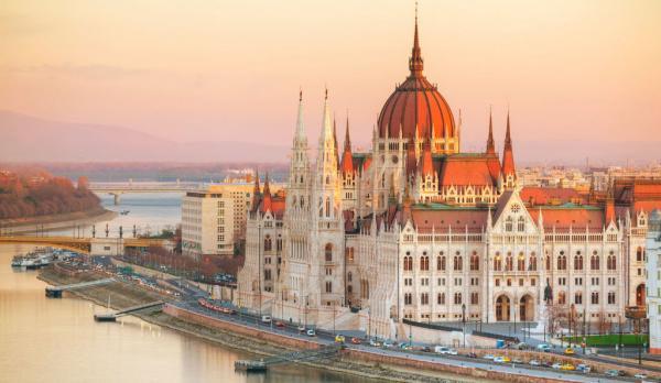 زبان تحصیل در مجارستان,مزایای تحصیل در مجارستان,تحصیل در مجارستان