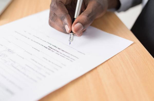 تعلیق قرارداد کار,عوامل تعلیق قرارداد کار,تعلیق قرارداد کار در قانون کار