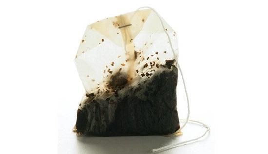 تورم صبحگاهی لب,دلیل تورم لب,درمان تورم لب با چای سیاه