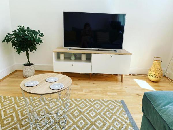 انواع میز تلویزیون,میز تلویزیون,طرح میز تلویزیون