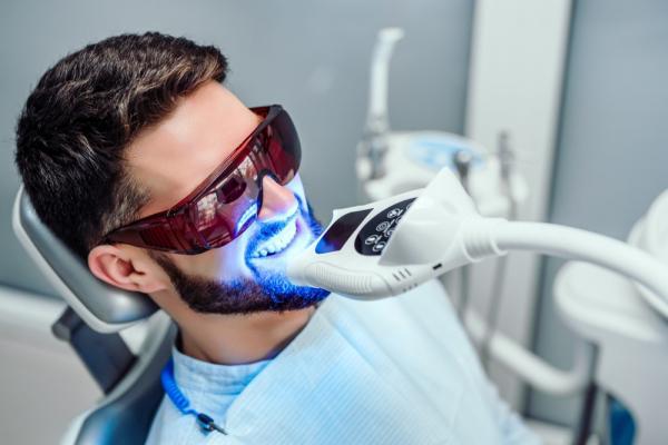 روشهای سفید کردن دندان,بلیچینگ دندان چقدر دوام دارد,بلیچینگ دندان چیست