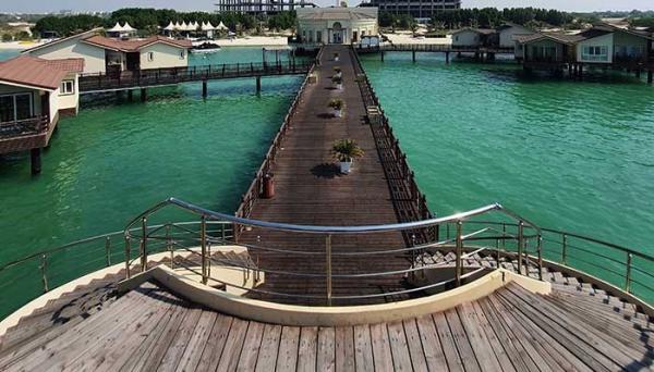 اقامت در هتل ترنج کیش چه حسی دارد؟ لذت اقامت در خانه ای روی آب