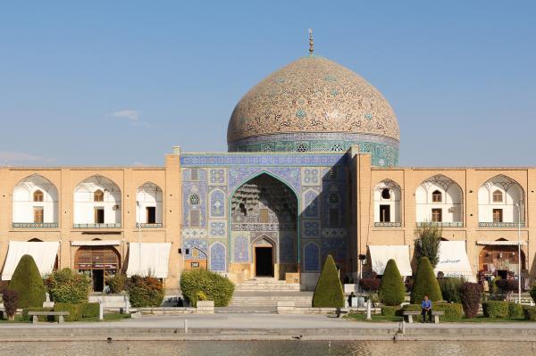 آتشگاه اصفهان,سی و سه پل,جاهای دیدنی اصفهان