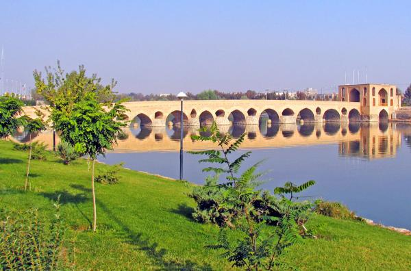 مهمانسرای عباسی,جاهای دیدنی اصفهان,مکان های گردشگری اصفهان