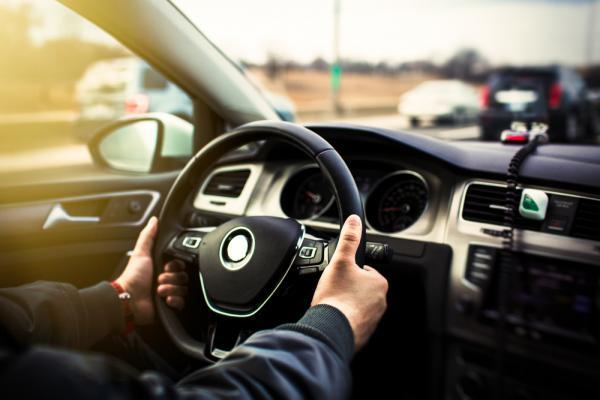 علت لرزش موتور خودرو,لرزش موتور خودرو,لرزش موتور خودرو در حالت درجا