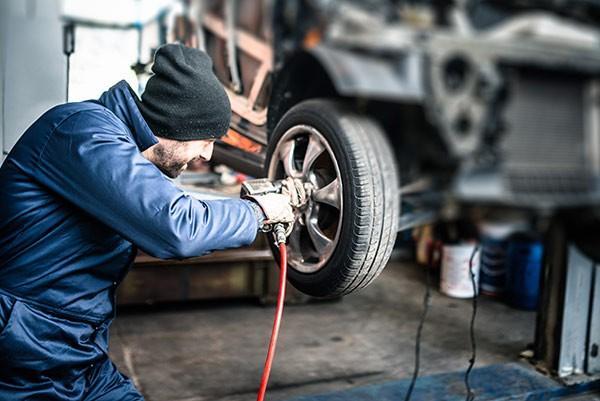 لرزش موتور خودرو,دلایل لرزش موتور خودرو,لرزش موتور خودرو هنگام حرکت
