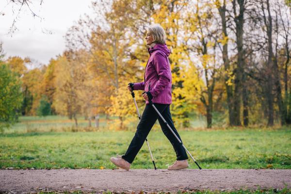 اثر پیاده روی بر لاغری,پیاده روی و لاغری پاها,مزایای پیاده روی