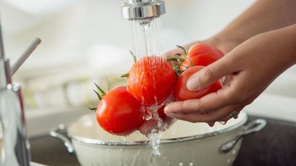 شستن میوه و سبزیجات,ضدعفونی میوه سبزیجات,توصیه های مهم برای شستن میوه و سبزیجات
