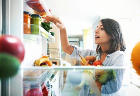 ویژگی های افراد موفق در کاهش وزن,راهکار کاهش وزن,Weight Loss,تاثیر مصرف سبزیجات در لاغری,کنترل میزان مصرف غذایی در هر روز